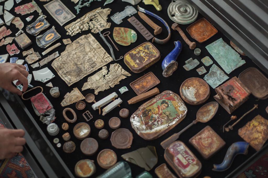 Esperanza, Porvenir, Prosperidad, Progreso, Victoria (Cabinet of curiosities)